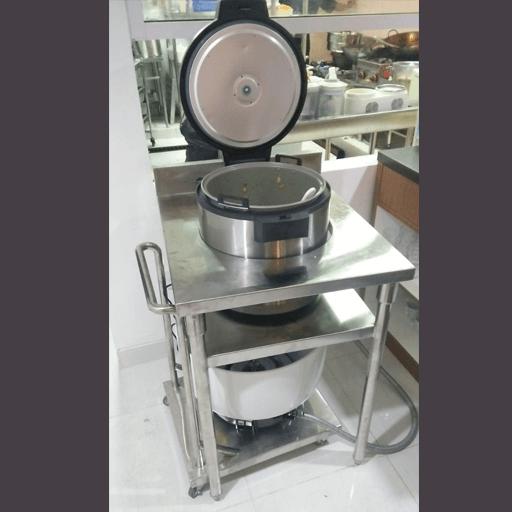 rice cooker with trolley memudahkan dalam menentukan tempat