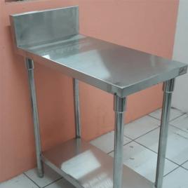 Meja Stainless Untuk menaruh bumbu masakan