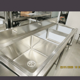 Triple SInk Pot Sink Pot sink kecil Pot Sink merupakan produk kitchen stainless yang digunakan untuk mencuci perabotan atau perlengkapan masakan